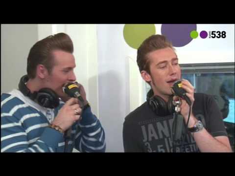 Radio 538:  The Baseballs - Umbrella live bij Evers Staat Op