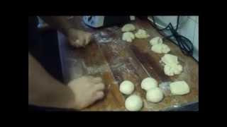 Rund schleifen / rund wirken von Hefeteigstücken - professionelle Bäckermethode
