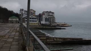 Yalta shahrida dengiz yaqinida mulk. Bu bemaqsad, sohil va scenic fikr ovoz