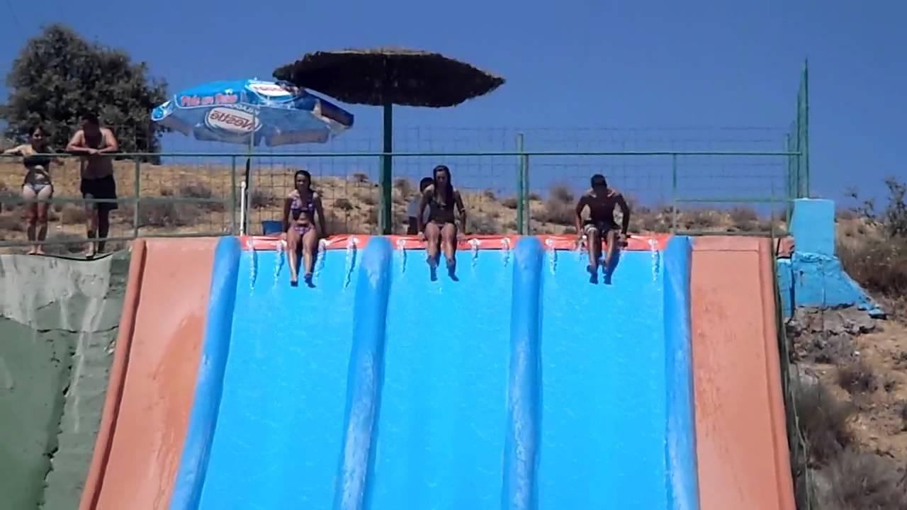 piscina tobogan castronu o youtube