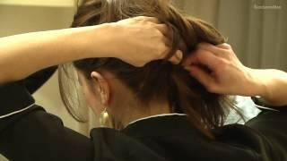 Lekka i swobodna fryzura na włosach średniej długości