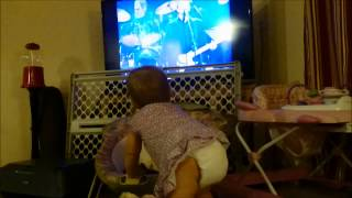 Aria Dancing to Layla