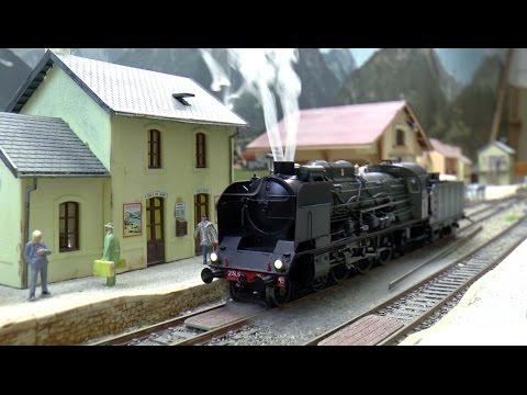 Trains miniatures ho : Pacific 231G18 et 030TU71 ree