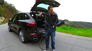 a porsche with a plug 2017 porsche cayenne s e hybrid phev tech review 1 of 2