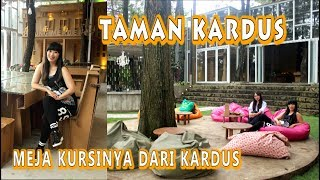 Taman Kardus   Cafe Unik Dgn Furniture Dari Kardus Di Bandung