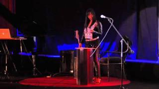 TEDxSanMigueldeAllende - N'Dea Davenport -- Celectrixx - Crisis & Creativity