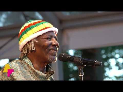 Alpha Blondy &