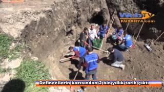 Kütahya'da definecilerin kazısından 2 bin yıllık mezar çıktı