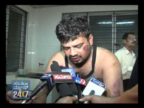 Gambling leads to group clash in Bellary - Suvarna News