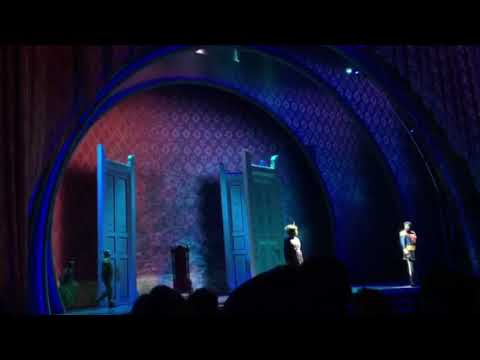"Frozen Live At The Hyperion Theatre - ""Do You Want To Build A Snowman"""