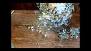 Флористика для начинающих: нежно-голубой букет из живых цветов своими руками (мастер класс).