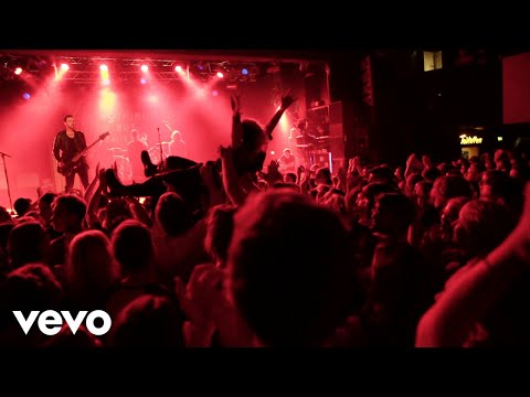 Nothing But Thieves - Crowd Surfing Interlude