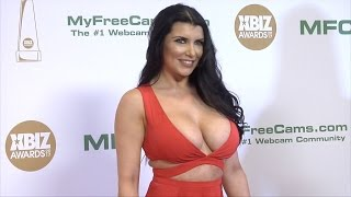 vuclip Romi Rain XBIZ Awards 2017 Red Carpet Fashion