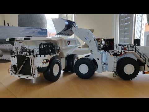 Caterpillar 994k And 797F Mining Machines. 1/50 Scale Diecast. White Limited Edition.