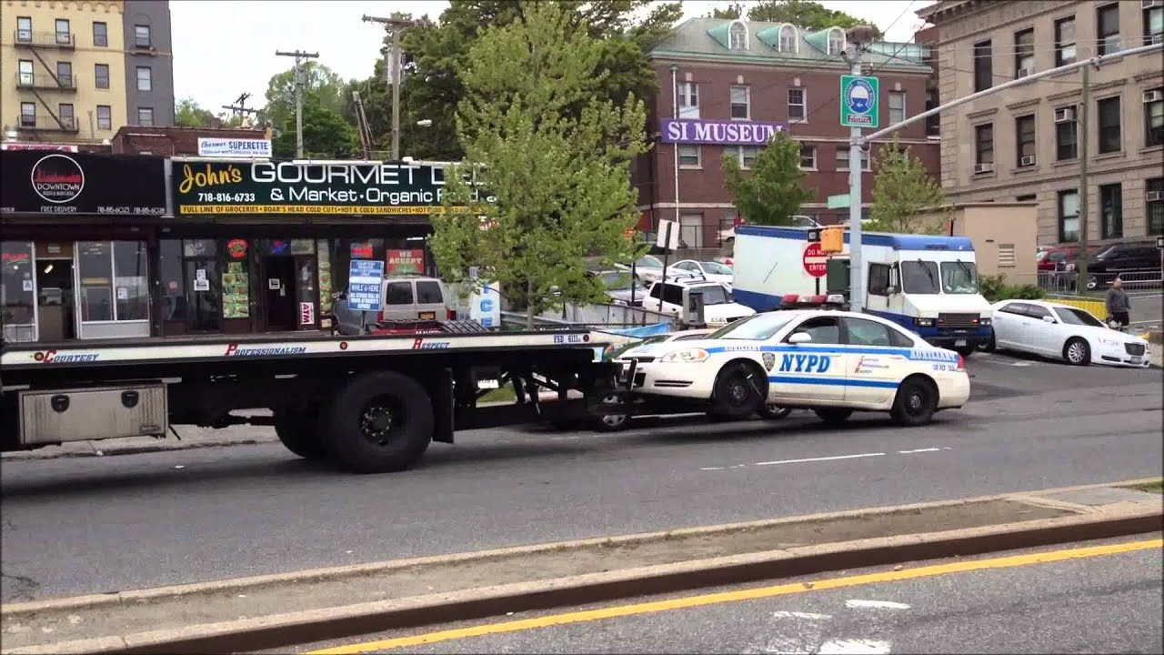 Rarely Seen Nypd Flatbed Truck Towing An Nypd Auxiliary