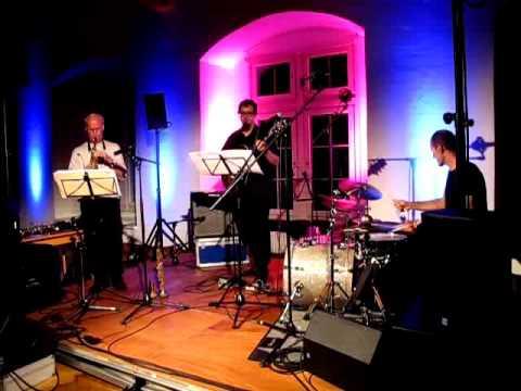 Samo Salamon Bassless Trio feat. Paul McCandless & Roberto Dani: Seagulls In Maine