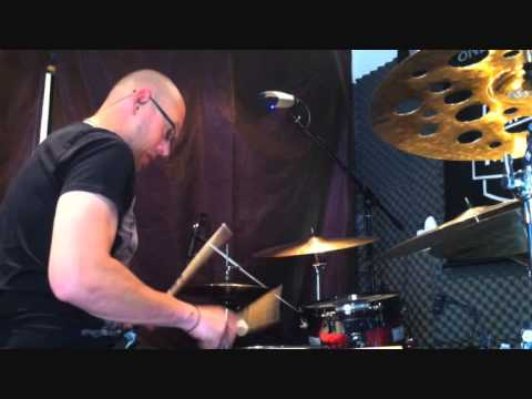 Drum lick of the week:  Simple minds and Prince