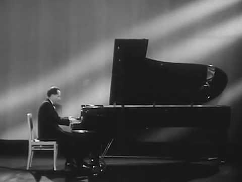 Victor Merzhanov plays Chopin Prelude no. 24, op. 28 - video