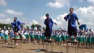 長岡市立青葉台中学校2009年体育祭応援合戦-青軍 The competition of a cheering party thumbnail
