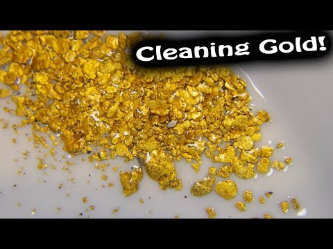 Cleaning fine gold from black sands:  Method #1 (Simple panning)