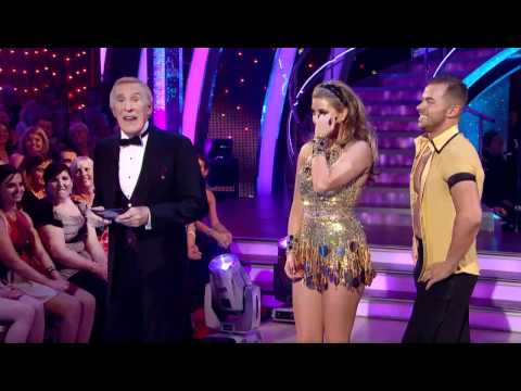 Holly Valance and Artem Chigvintsev dancing the Cha Cha Cha (High Definition Version)