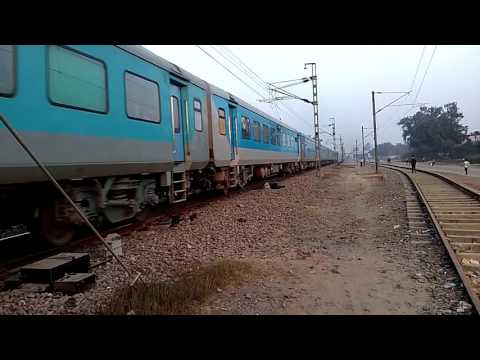 Toaster with easy load of Firozpur shatabdi ex Bhatinda shatabdi