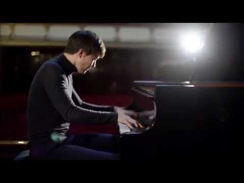 Schubert: Piano Sonata D 958 (Menuetto) | Louis Schwizgebel