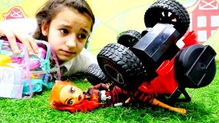 Monster high doktor oyunları. toralei stripe kazaya uğradı! acayip dönüşen partisinin kederli sonu!