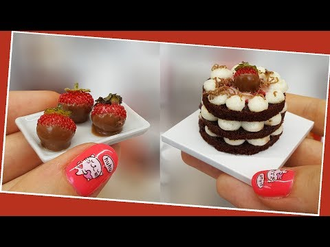 real-but-mini-strawberry-cake&cupcakes/chocolate-cake/mini-strawberry