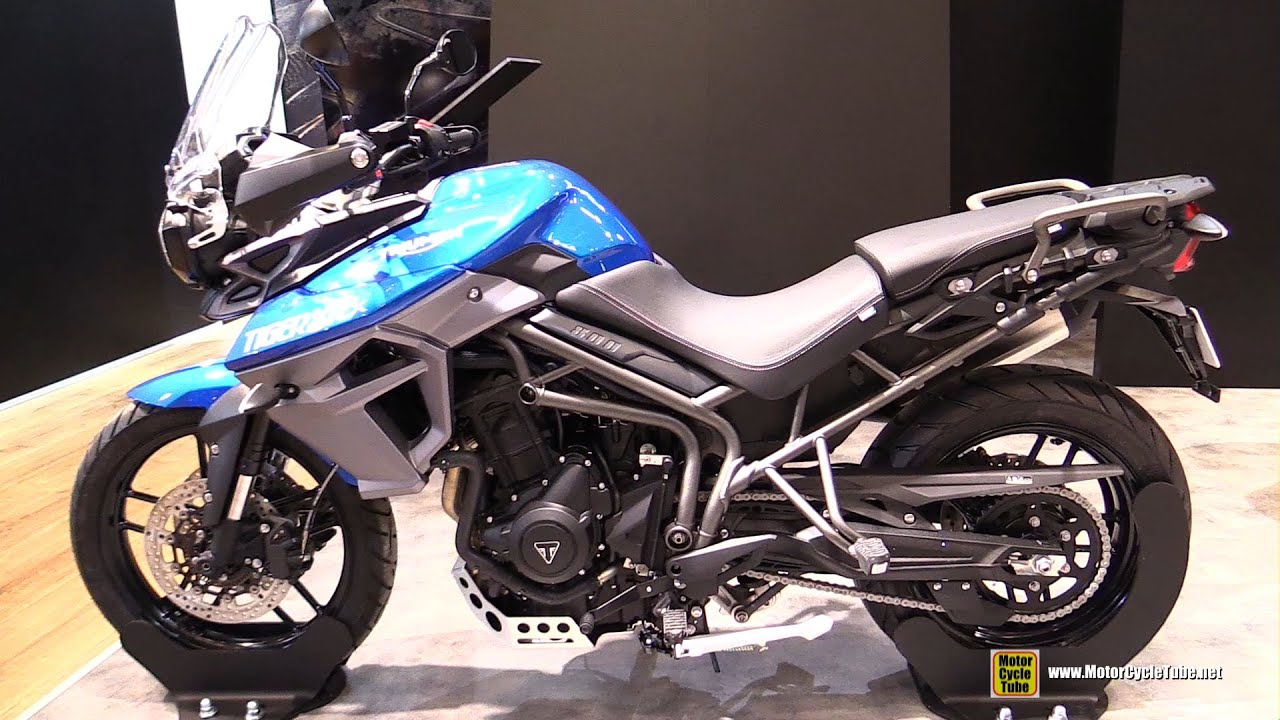 2016 triumph tiger 800 xrx walkaround 2015 salon de la moto paris youtube. Black Bedroom Furniture Sets. Home Design Ideas