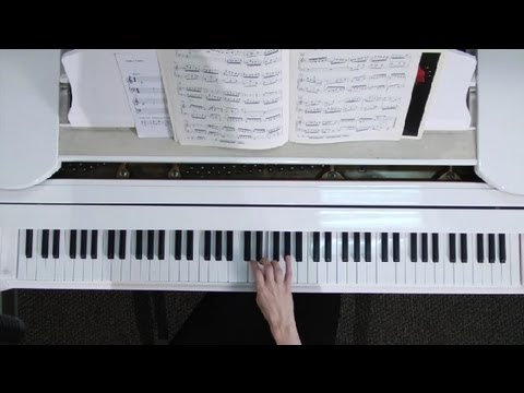 How to Do a Piano Run : Tips on Playing the Piano