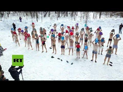 Celebrando el fin del invierno en Siberia