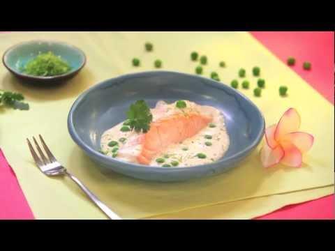 pavé-de-saumon-à-la-vapeur-et-émulsion-de-lait-de-coco-infusé-à-la-feuille-de-bergamote