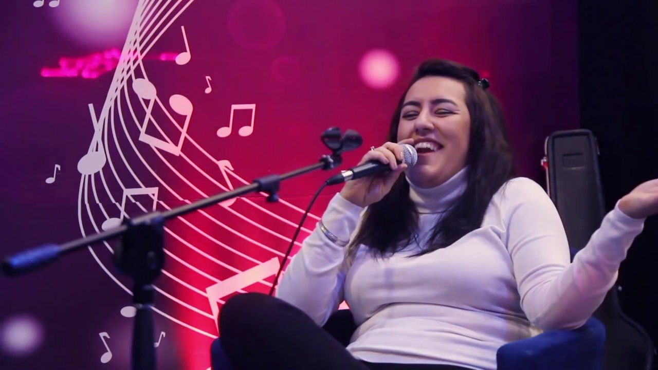 Zarina Buzovnali - Dostlar Sagolsun (Official Klip)