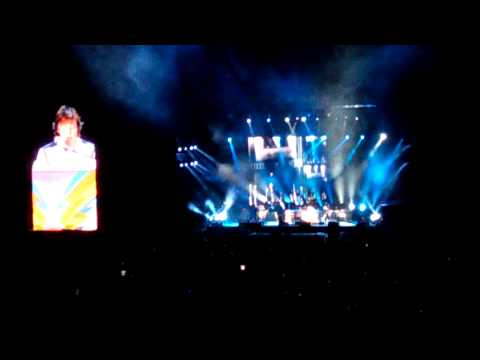 Paul McCartney- Lady Madonna - Montevideo, Uruguay (4-19-2014)