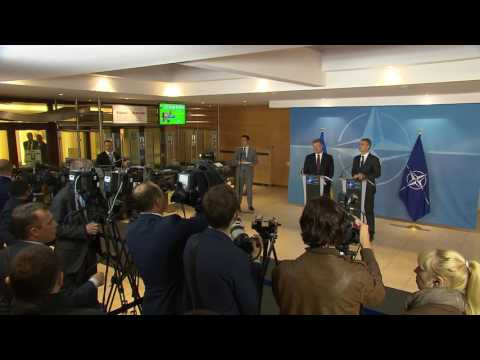 NATO Secretary General with the President of Ukraine, 20 OCT 2016