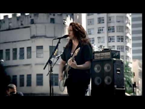Ana Carolina -- Filme - Garganta - Vídeo Oficial