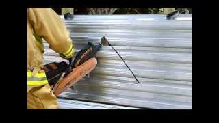The EXTRACTOR Rescue Blade™ - Cutting Corrugated Metal