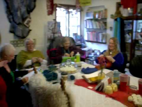 Lambspun knitting group