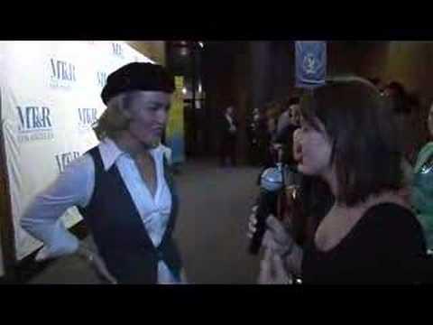 Kiss 1061 Jackie interviews Nip Tuck's Kimber Kelly Carlson