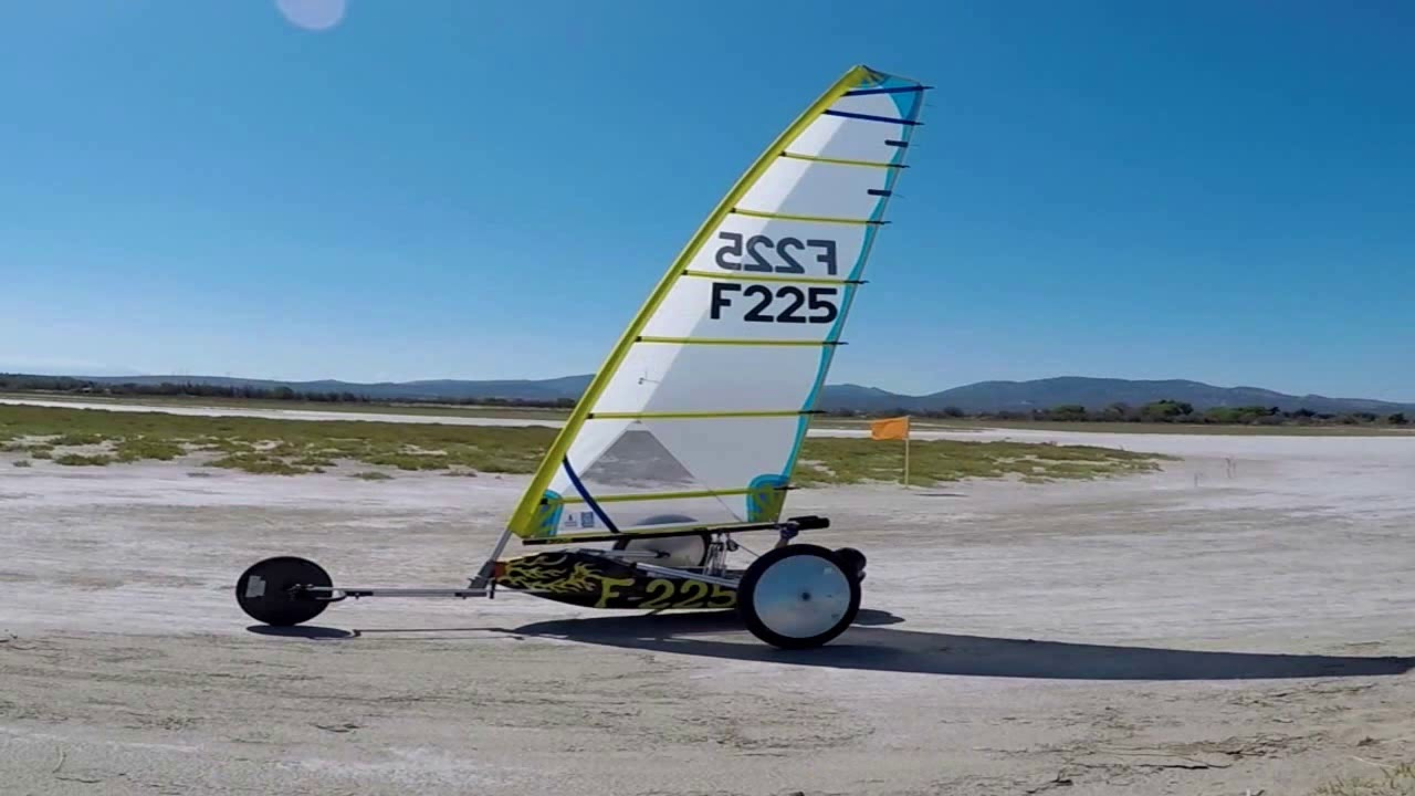 Le Grand Prix Mediterranee De Char A Voile Youtube