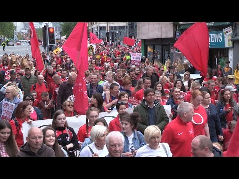 Thousands march in support of Irish Language Rights - An Lá Dearg