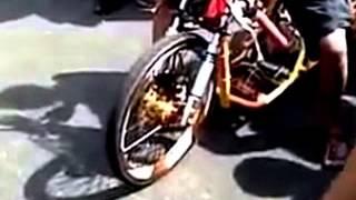 Drag Race Yamaha Mio vs Kawasaki Ninja at Makasar Drag Race