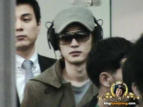 download 111128 KIM HYUN JOONG fancam - Incheon Int'l airport for MAMA 2011 at Singapore