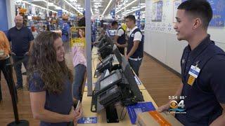 35-Second Returns? Walmart Speeds Up Online Returns thumbnail