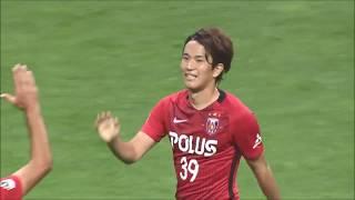 ゴール前にポジションを取っていた矢島 慎也(浦和)が味方選手が放った...