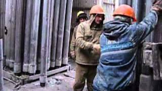 Бурение под песню Высоцкого(Нарезка видео о бурении скважины под песню Высоцкого., 2011-02-14T17:02:07.000Z)