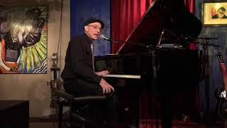 Kenny White: Symphony in 16 Bars. Bartof Station (13)