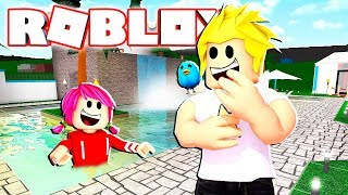Hide and Seek in the Pool?! Taco Crew Mansion RolePlay in Roblox Bloxburg