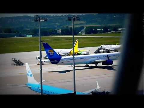 Condor 757 Taxi Stand 41 at Stuttgart